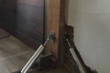 柱に設置した免振ダンパー